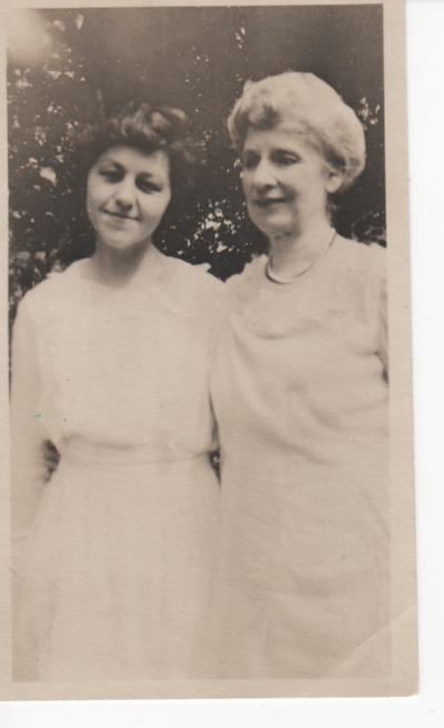 Leonora Holsapple & Elizabeth Greenleaf - Green Acre School, Eliot, Maine - 1920